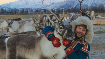 Reindeer Feeding and Sami Experience